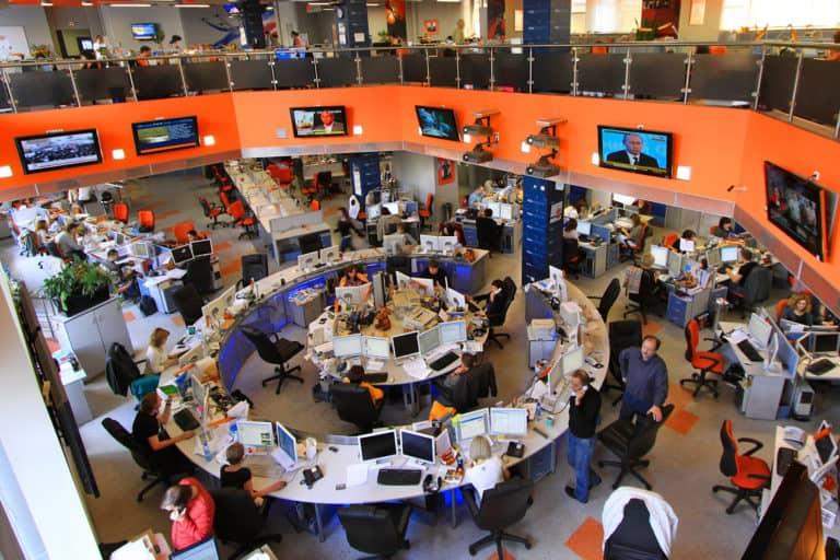 Newsroom von RIA Novosti in Moskau 5 - Jürg Vollmer / maiak.info, CC BY-SA 3.0, bearbeitet expeso